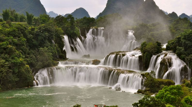 Khone Falls (Chutes de Khone)-top 10 largest waterfalls in the world