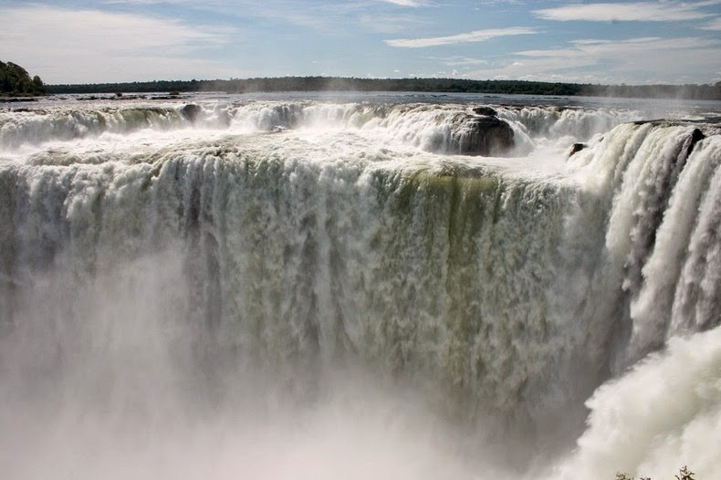 Guaira Falls(Salto Del)-which is the biggest waterfall in the world