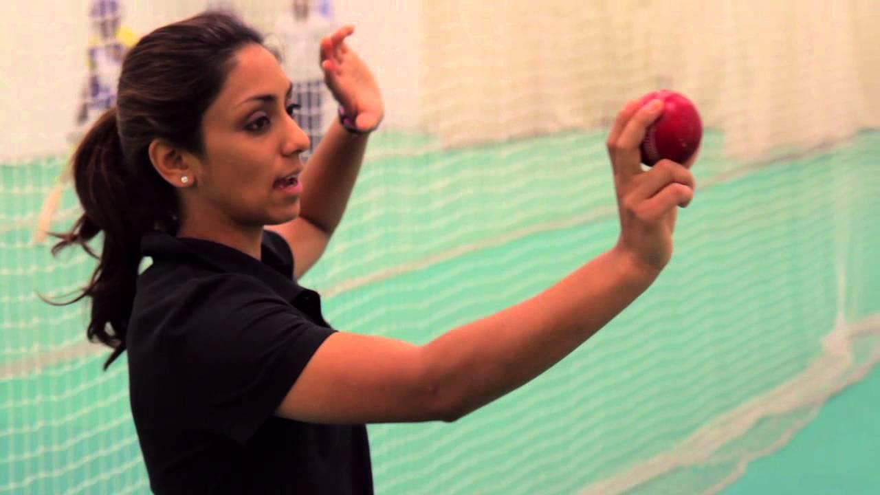 most beautiful woman cricketer in India-isa guha