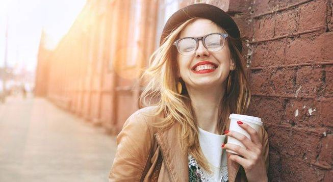 Top 5 advantages of Coffee, Health benefits of Coffee, Reasons for drinking coffee, coffee makes you feel happier