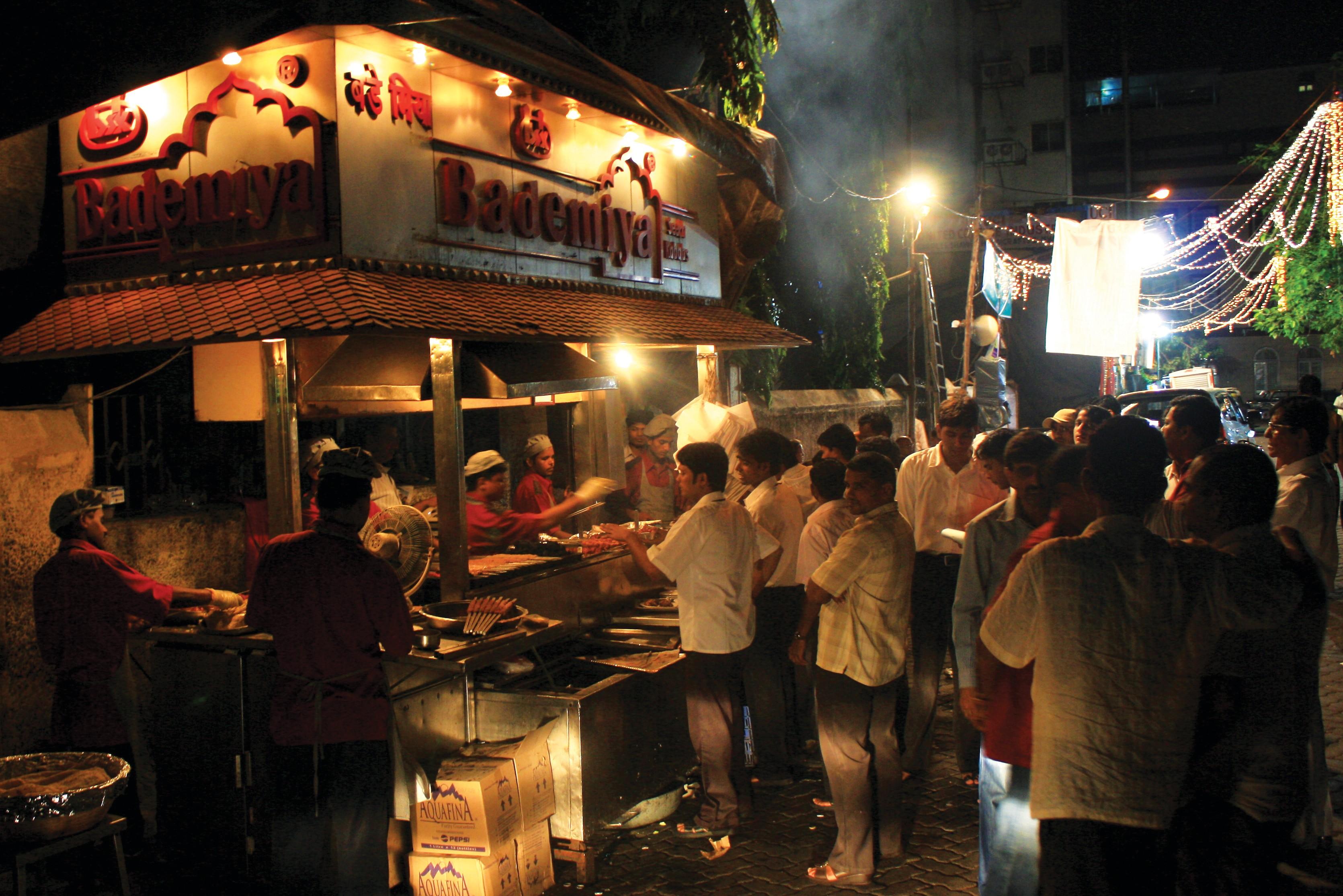 10 best street foods in Mumbai, Bademiya Mumbai