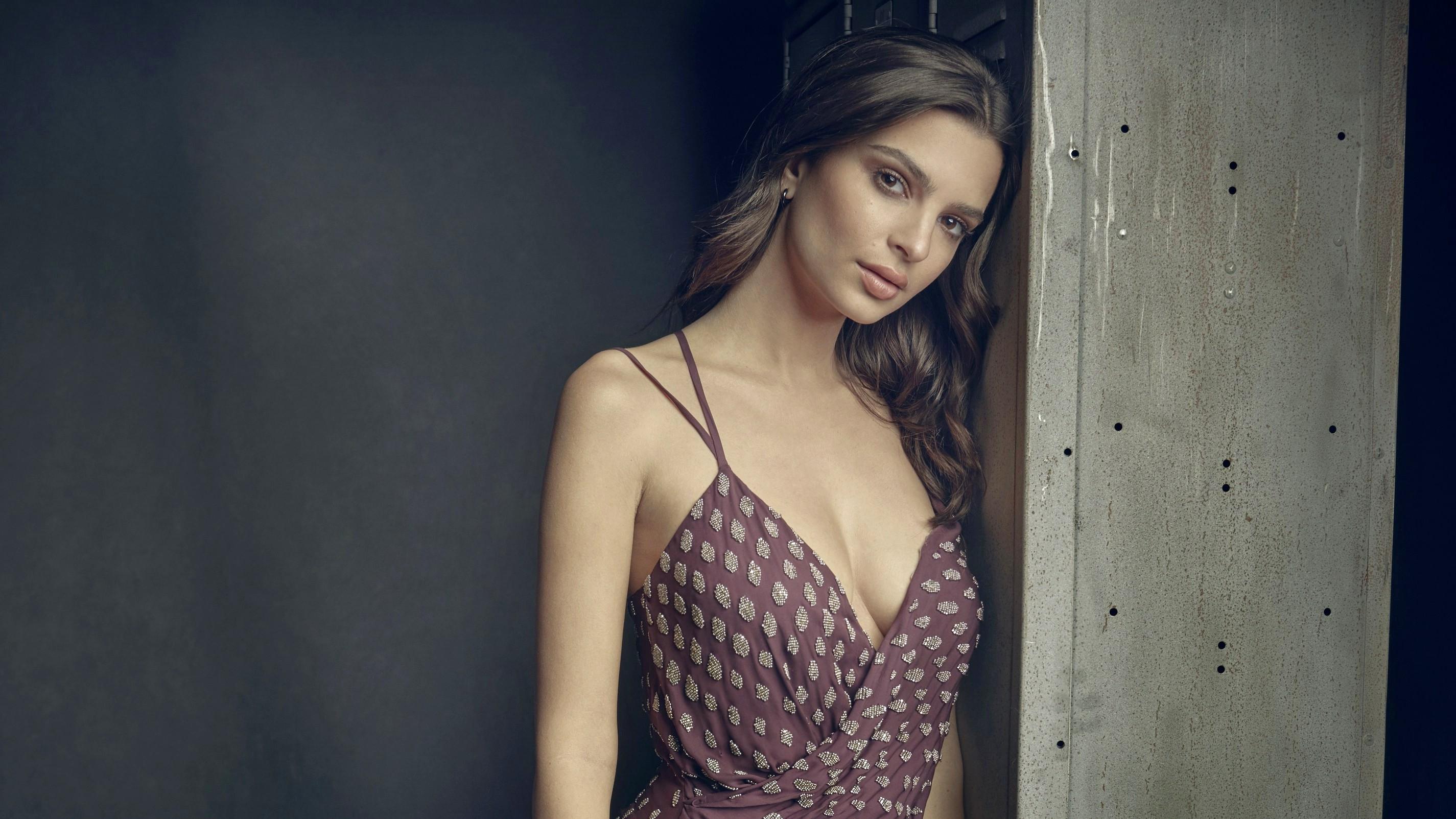 Top 10 beautiful women in the World, Emily Ratajkowski