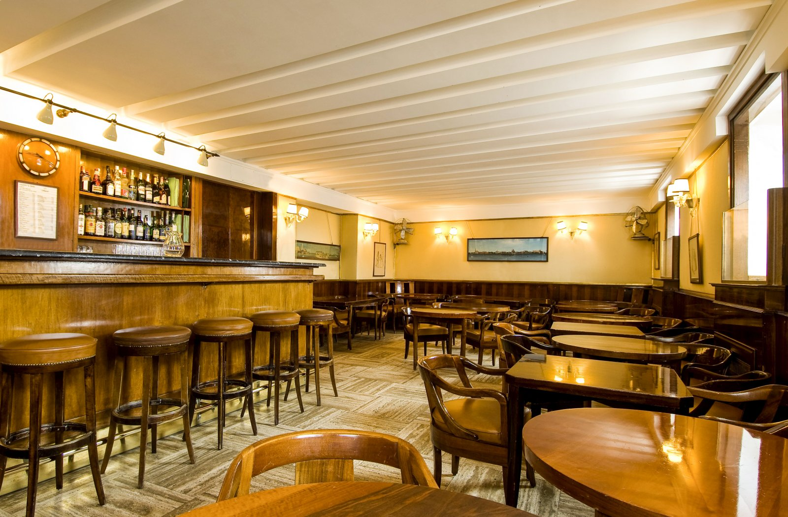 pubs in Bangalore with dance floor