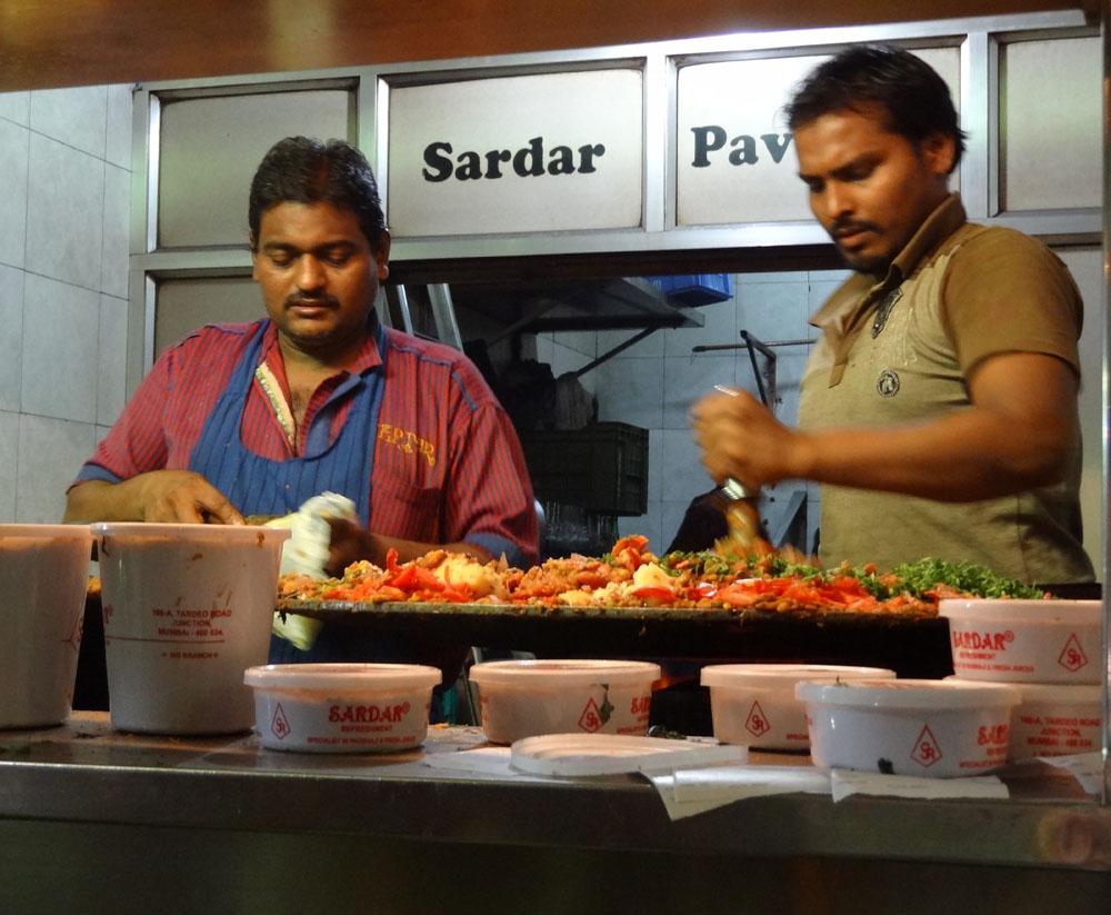 10 best street foods in Mumbai, Sardar pav bhaji