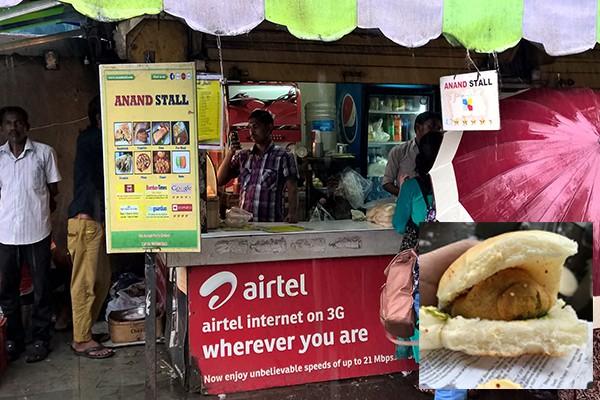 10 best street foods in Mumbai, Vada pav Anand