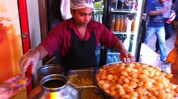 10 best street foods in Mumbai, Pani puri, elco pani puri mumbai