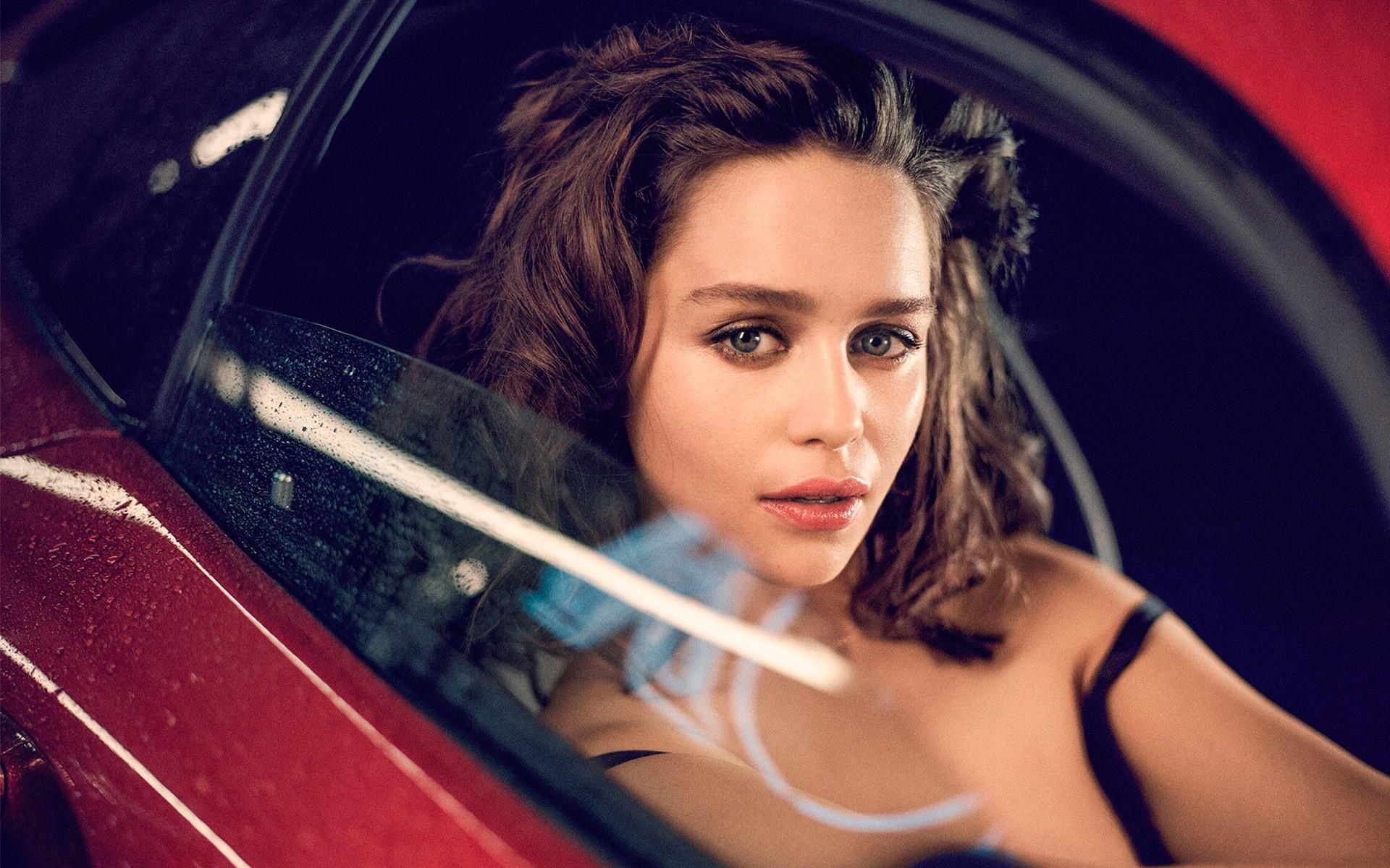 Top 10 beautiful women in the World, Emilia Clarke