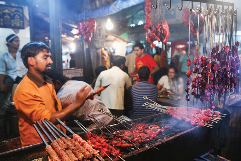 street food places in mumbai